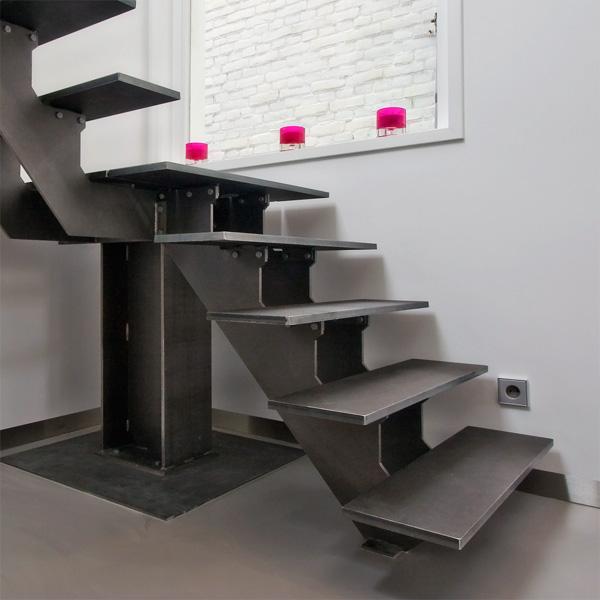 Metalen trap met openboom constructie opdrachten in beeld paardekooper design interieur - Metalen trap design hout ...