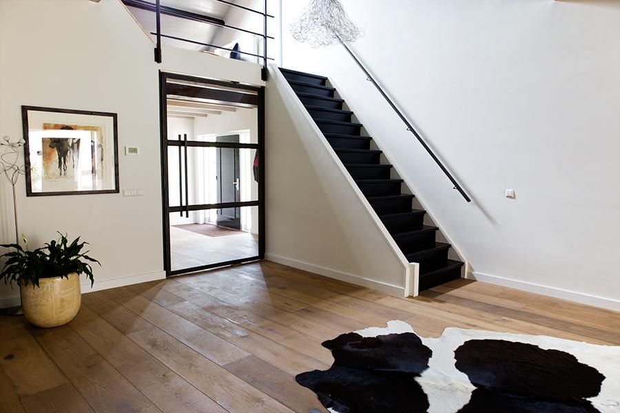 Design trappen maatwerk paardekooper design interieur for Stalen trap maken